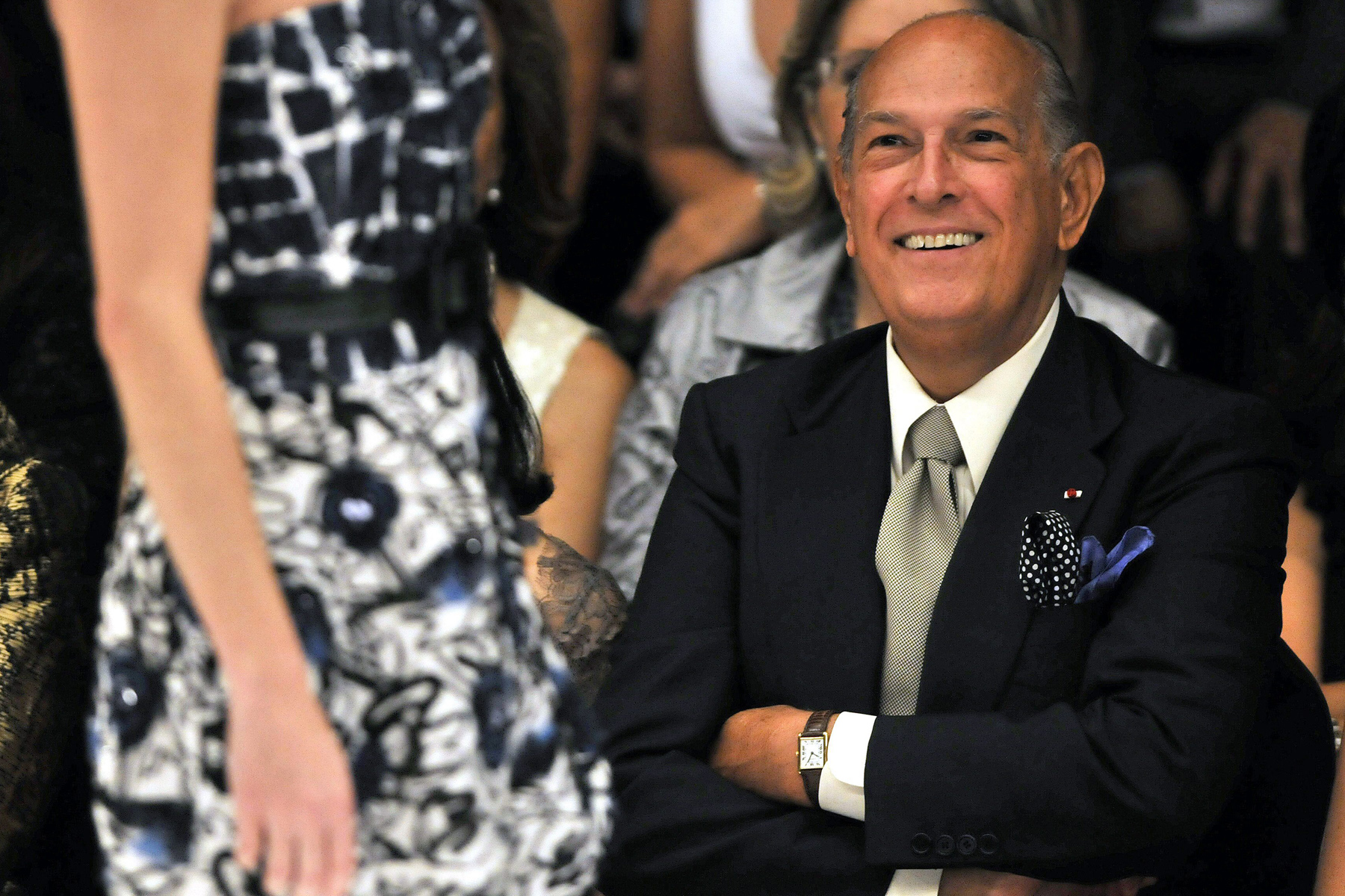 epa04455516 (FILE) Dominican American fashion designer Oscar de la Renta smiles during the presentation of his collection 'Resort 2010', during the ninth edition of the Cali Exposhow in Cali, southwest Colombia, 15 October 2009. De la Renta died at the age of 82 on 20 October 2014, his family confirmed.  EPA/CARLOS ORTEGA