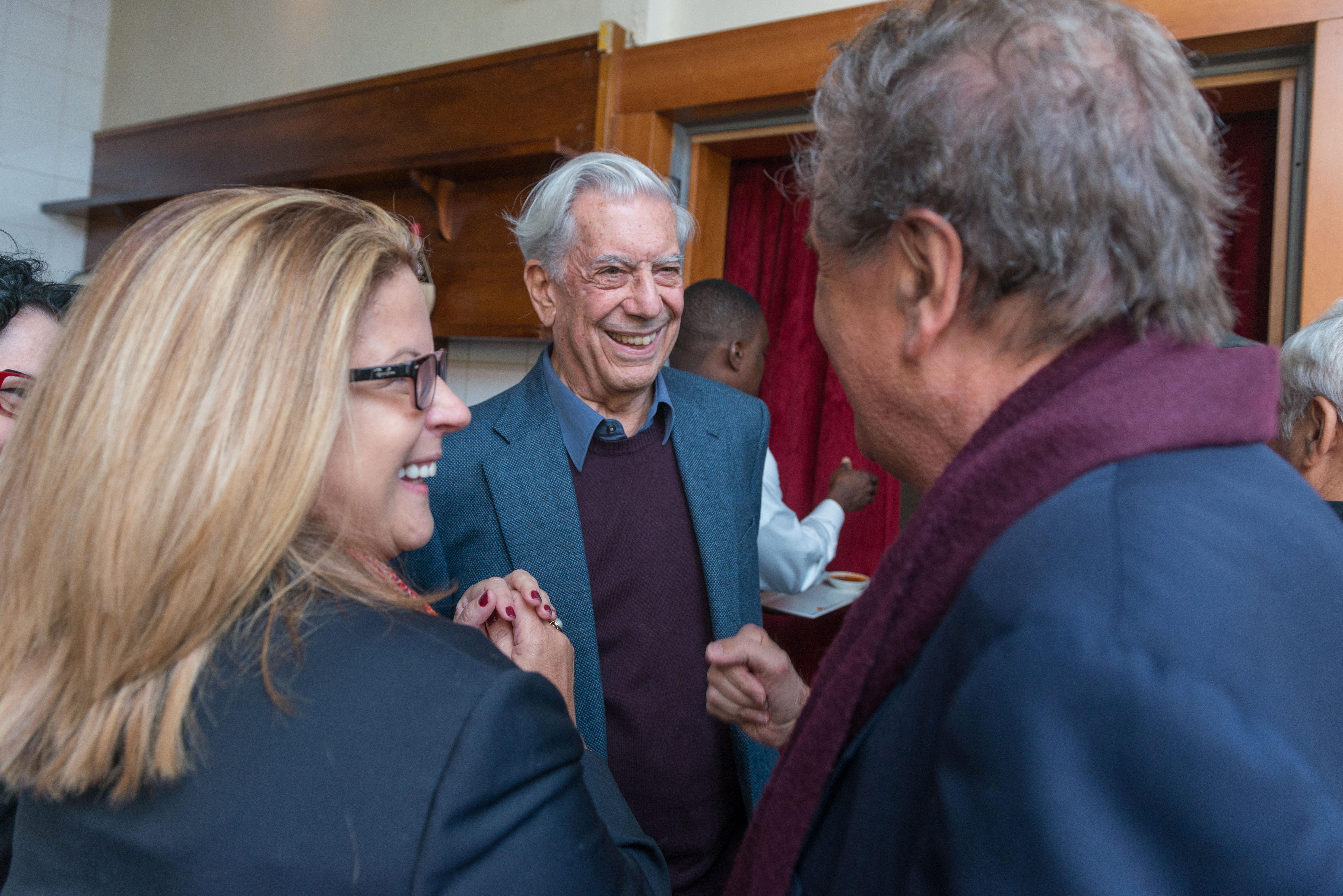 Michael Palma forRepertorio Vargas Llosa Reception Visit 009