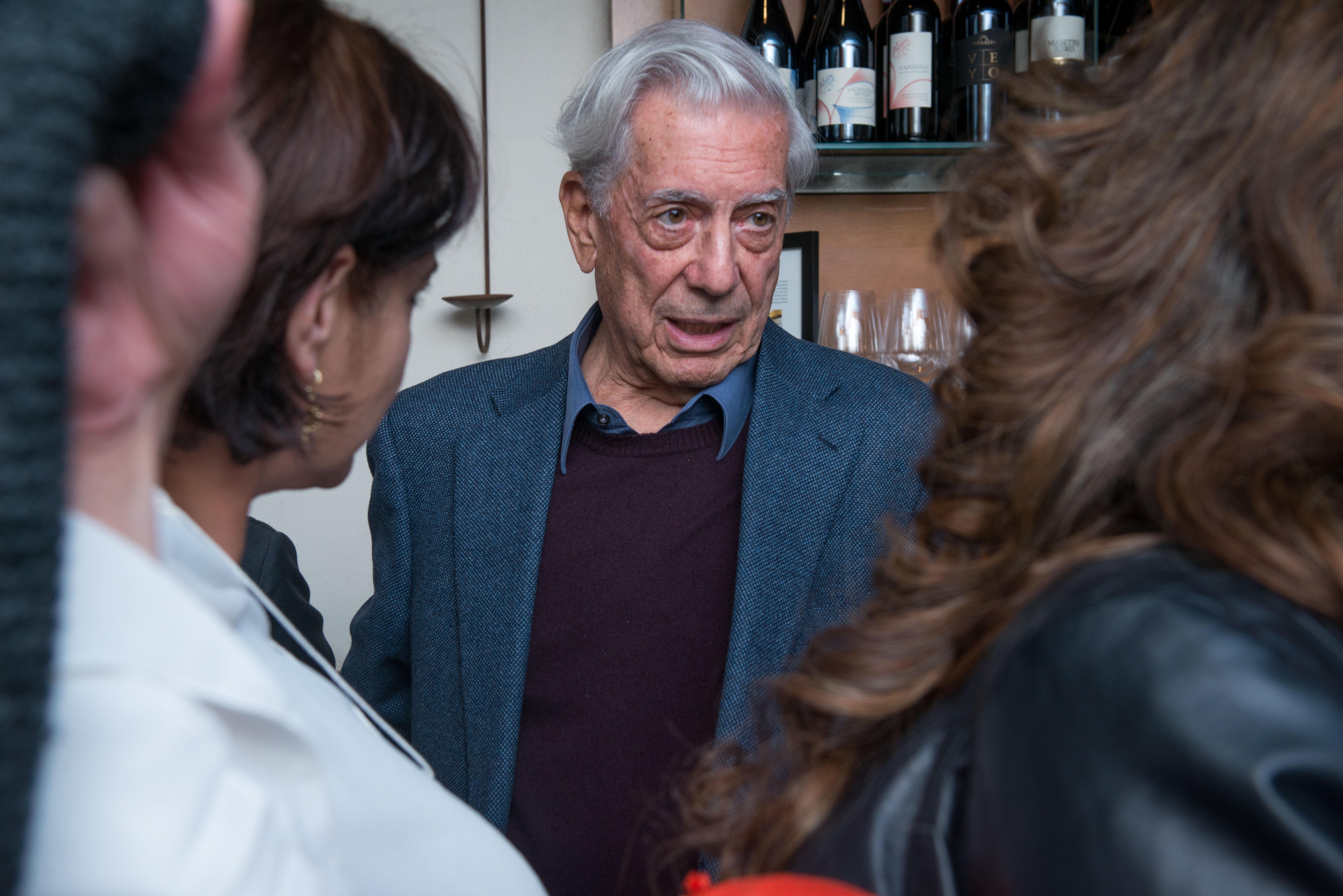 Michael Palma forRepertorio Vargas Llosa Reception Visit 035